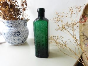 Victorian The Only Genuine Day Son & Hewitt's Chemical Extract, London embossed green bottle, horse treatment, antique veterinary bottle