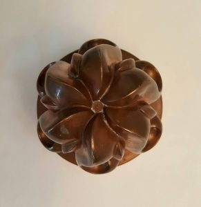 Antique copper jelly mould - a late 19th Century Victorian copper jello mold by Benham & Froud design No. 263, six swirls in great condition