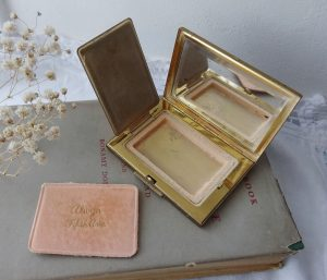 Vintage Alwyn Fifth Ave compact ~ gold tone floral painted enamel face powder compact ~ 1930's vanity collectable ~ Art Deco makeup mirror