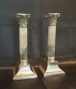 Corinthian column candlesticks, a good pair of antique Neoclassical candlesticks in superb condition, early 20th Century, Circa 1920