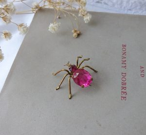 Antique insect brooch ~ beautiful faceted pink glass & gilt metal bug brooch