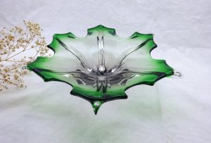 Vintage Murano sommerso leaf bowl, green and clear glass. Retro Venetian glass hand made in Italy. 1960's art glass, studio glass fruit bowl